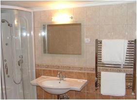 Bathroom, Hotel Karin, Budapest