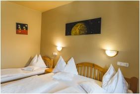 Hotel Karin, Trzyosobowy pokój Comfort - Budapeszt