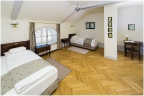 Castle Karolyi, Double room with extra bed - Fehervarcsurgo