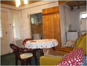 Kertesz Guesthouse - Tiszaalpar