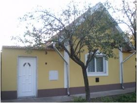 Bejárat, Kertész Vendégház, Tiszaalpár