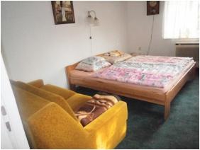 Kertész Vendégház, Comfort háromágyas szoba