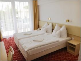 Ket Korona Conference & Wellness Hotel, Balatonszarszo, Family Room