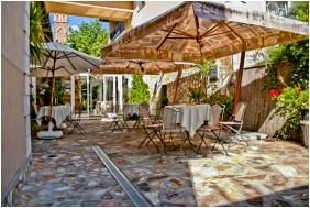 Belső kert, Kikelet Club Hotel, Miskolctapolca