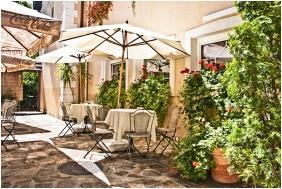 Kikelet Club Hotel, Inner garden - Miskolctapolca