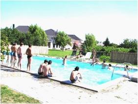 Kincsem Wellness Hotel, Kisber, Outside pool