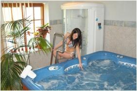 Kis Helikon Residence Hotel Heviz, Inside pool