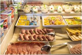 Buffet breakfast, Kis Helikon Residence Hotel Heviz, Heviz