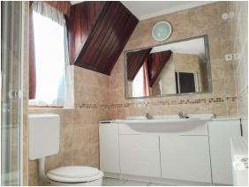 Kisfa2 Apartman, Közös fürdőszoba - Mezôkövesd