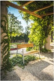 Klebelsberg Kastély, Wewnętrzny ogród - Budapeszt
