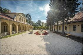 Klebelsberg Kastély, Latem - Budapeszt