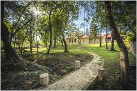 Wewnętrzny ogród - Klebelsberg Kastély