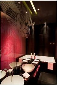 Buddha Bar Hotel Budapest Klotild Palace, Budapest, Bathroom