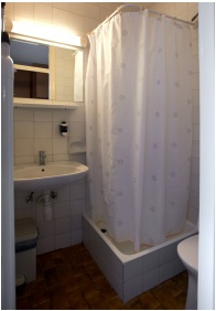 Zuhanyzó, Komfort Hotel Platán, Harkány
