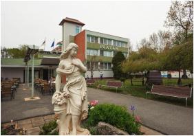 Külső kép - Komfort Hotel Platán