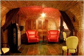 Hotel Krstaly mperal, Bar - Tata