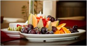 Hotel Krstaly mperal, Tata, Breakfast