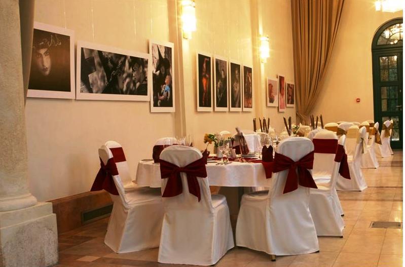 Hotel Kristaly Imperial, Weddingmeal setting