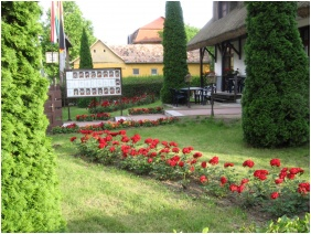 Laci Betyar Inn, Hajduszoboszlo, In the summer