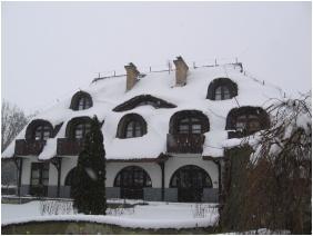 Laci Betyar Inn, Hajduszoboszlo, In the winter