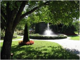 Laci Betyar Inn, Inner garden - Hajduszoboszlo