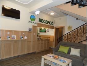 Land Plan Hotel & Restaurant , Töltéstava, Recepció környéke