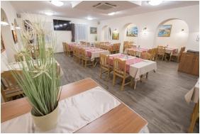 Land Plan Hotel & Restaurant , Étterem - Töltéstava