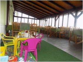 Fedett terasz, Land Plan Hotel & Restaurant , Töltéstava
