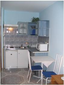 Lesle Apartments, Ktchen - Budapest