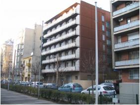 Lesle Apartments, Buldn