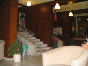 Lobby - Lesle Apartments