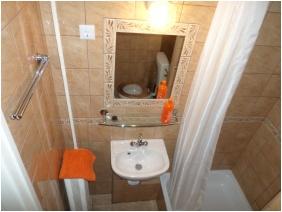 Leslıe Apartments, Shower
