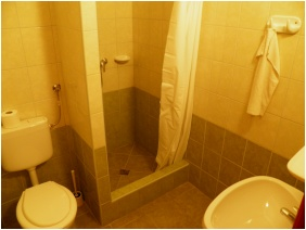 Hotel Lipicai, Shower