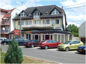Entrance, Major Pension & Restaurant, Hajduszoboszlo