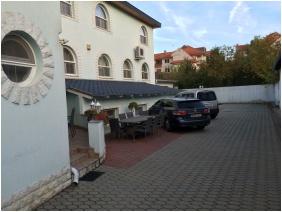 Márvány Hotel, Külső kép
