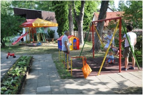 Melis Pension and Restaurant, Balatonlelle, Playground