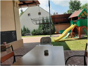 Gyulai Mese ház Apartman, Gyula, Nyitott terasz