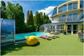 My Lake Hotel,