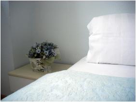 Násfa Hotel & Spa, Feldebrô, Standard szoba