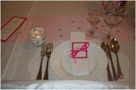 Nereus Park Hotel, Weddingmeal setting - Balatonalmadi