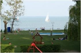 Nereus Park Hotel, Balatonalmadi, In the summer
