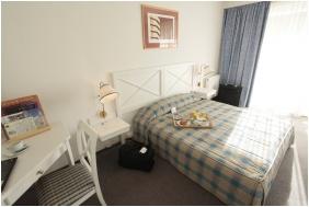 Novotel Szeged Hotel, Szeged, Comfort háromágyas szoba