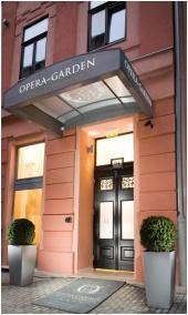 Opera Garden Hotel & Apartments, Bejárat