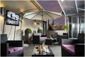 Nyitott terasz - Opera Garden Hotel
