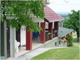 Szent Orban Pension, Zalakaros, Building