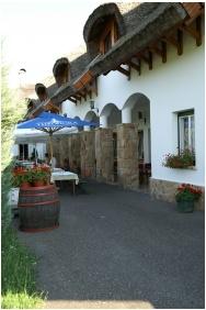 Oreg Halasz Hotel & Restaurant, Open-air terrace - Tat