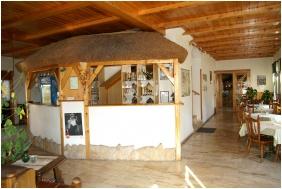 Reception area, Oreg Halasz Hotel & Restaurant, Tat