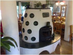 Oreg Halasz Hotel & Restaurant, Restaurant
