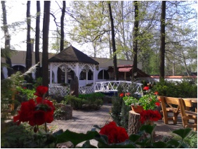 Garden, Oreg-to Club Hotel, Tata
