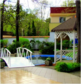 Oreg-to Club Hotel, Inner garden - Tata